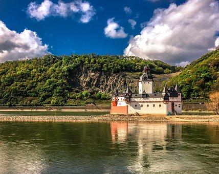 Castle Pfalzgrafenstein, Castle, River