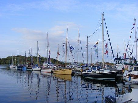 Tarbert, Classic, Boats