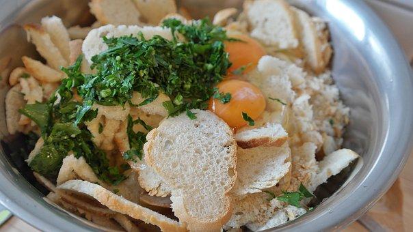 Knödlbrot, Roll, Bread Dumplings, Raw, Dumpling, Court