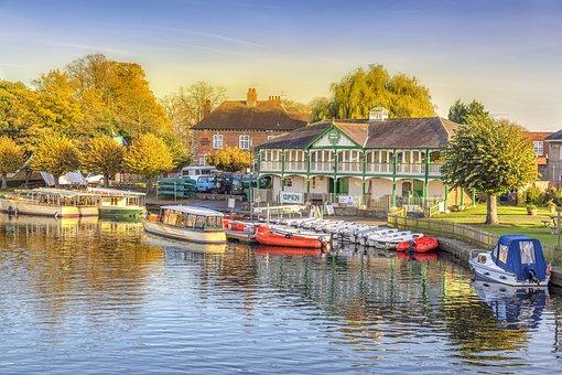 Stratford Upon Avon, Riverboats, Barges, Riverside