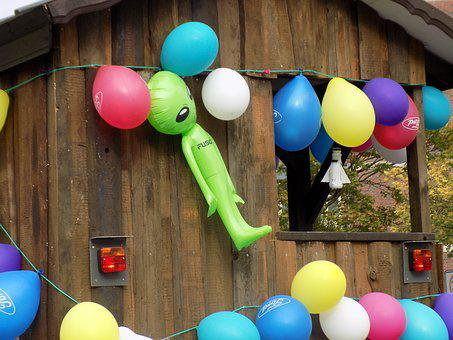 Pageant, Parade Floats, Balloons, Extraterrestrial