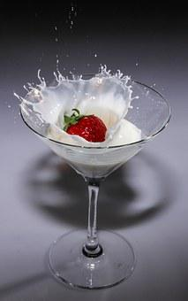 Strawberry, Milk, Plunge, Cocktail Glass, Splash, Drink