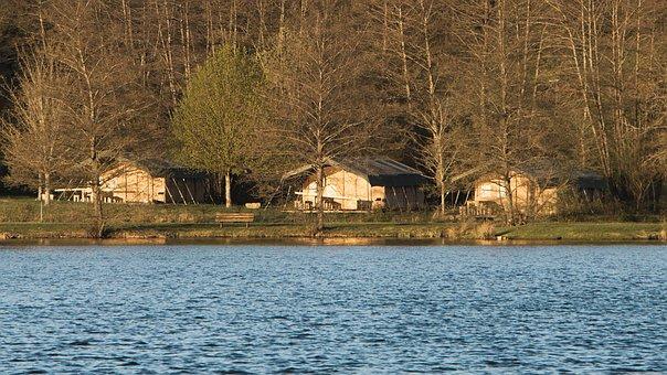 Bungalows, Lake, Pond Neck, Lormes, Morvan, Nièvre