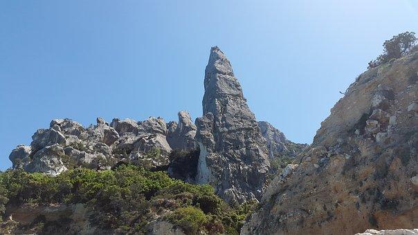 Aguglia Di Goloritzè, Cala Goloritzè, Pinnacle
