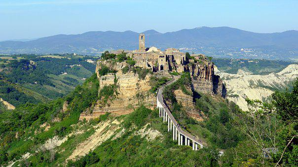 Civita Di Bagnoregio, Latium, Viterbo Province, Cliff