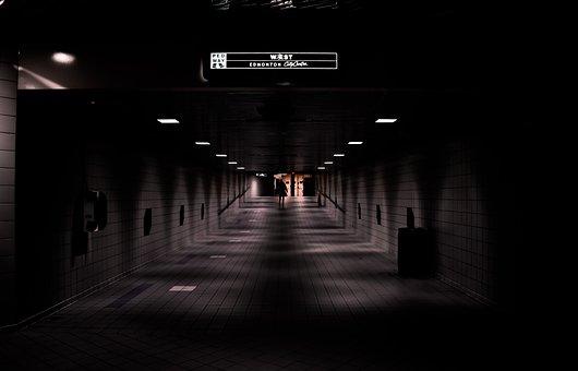 Trains, Underground, Darkness, Solo