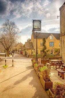 Bourton-on-the-water, Cotswold, Gloucestershire