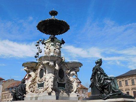 Neptunbrunnen, Gain, Downtown, Town Center