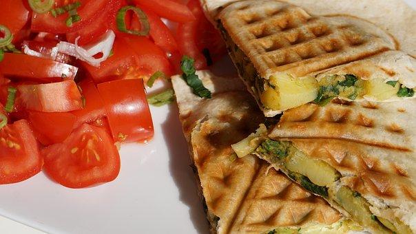 Tortillas, Tomatoes, Frühings Onions, Potatoes, Lunch