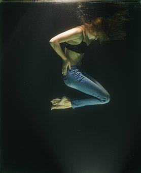 Model, Water, Fine Arts, Woman, Fiction, Breath, Live