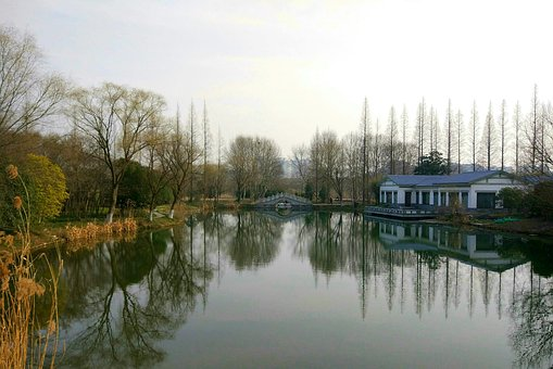 The Water's Edge, Twilight, Park
