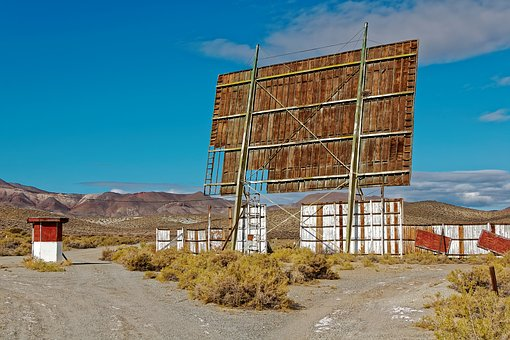 Yerington, Nevada, Usa, Drive-in Theater, Leave