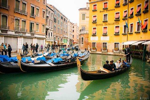 Just Dora, Pleasure Boat, Venice
