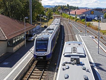 Zugbegegnung, Railway Station, Vienenburg, Track Climb