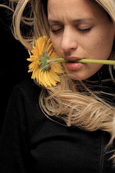 Flower, Model, Woman, Yellow, Daisy, Sad, Cry, Tears