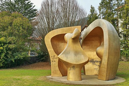 Sculpture, Henry Moore, Large Figure In A Shelter