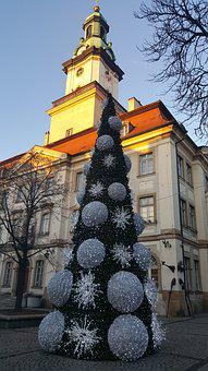 Christmas Tree, Deer, Mountain, The Market