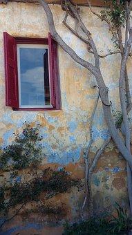Plaka, Athens, Old Windows