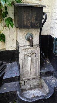 Pump, Antwerp, Vlaeykensgang, Old Town