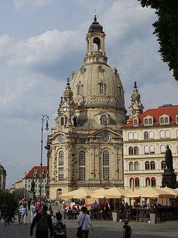 Dresden, Frauenkirche, Terrassenufer, Altstadt, Germany