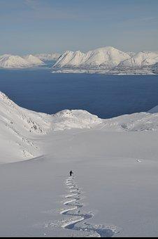 Ski, Backcountry Skiiing, Alpine, Norway, Lyngen, Alps