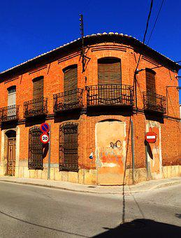 Stain, Valdepeñas, Street, House, People