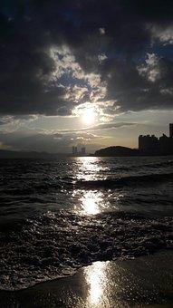 Sea, Cloud, Thunder
