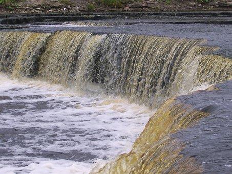 The Sablino Waterfall, Tosna, Nature