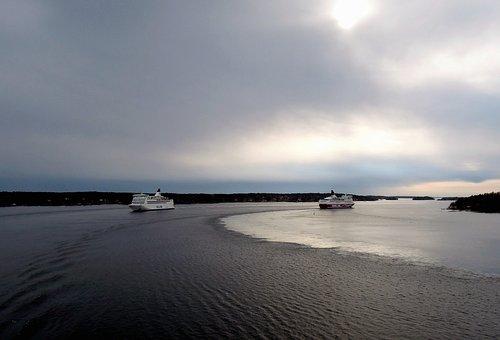 Ships, Ferry, Cruise, Baltic, Sea, Water, Cruise Ship