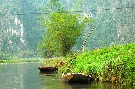Viet Nam, Sampan, Halong Bay On Land