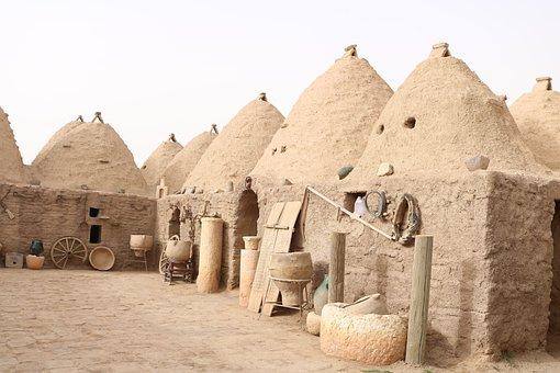 Houses, Are Eskiev, Building