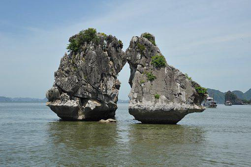 Ha Long, Bay, Viet Nam