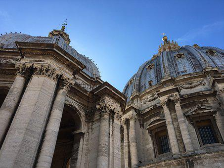 Place St Pierre, Italy, St Peter, Pierre, Architecture