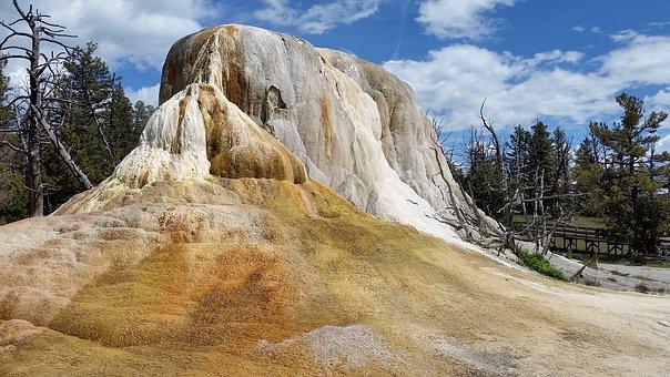 Yellowstone, Mammoth Hot Springs, Orange Spring Mound