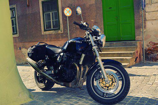 Suzuki, Moto, Motorcycle, Sibiu, Street, Black, Green