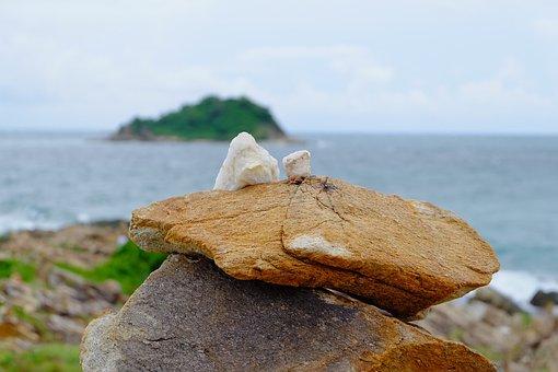 Koh Samet, Stone Strong, Falling