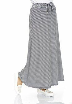 Skirt, Foot, Leg, Fashion, Dress, Standing, Design
