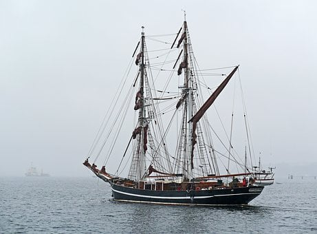 Tall Ship, Fog Travel, Zweimaster, Brigg, Phased Out