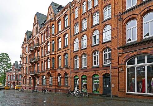 Flensburg, Ship's Bridge Road, Facade, Balconies