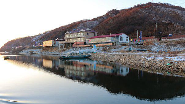 Yalu River, North Korea, Shadow