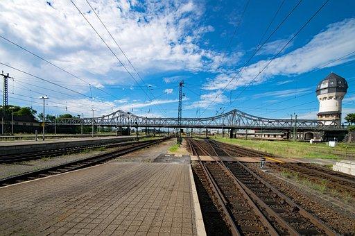 Central Station, Dornheim Bridge, Darmstadt, Hesse