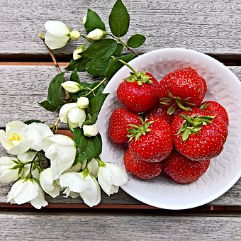 Strawberries, Fruits, Large, Ripe, Frisch, Sweet