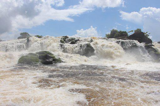Puerto Ordaz, Venezuela, Port-ordaz, Waterfall