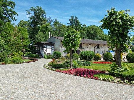 Manor House, Jeziorki, Osieczna, Stable, Superstructure