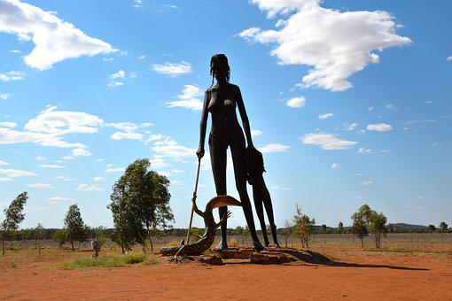 Statue, Anmatjere Women, Aileron, Giant, Outback