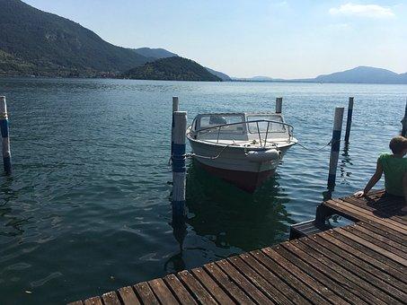 Italy, Lombardy, Lake Iseo, Lake, Powerboat, Landscape