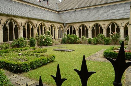 Cathedral, Church, Sint Victor, Religion, Court, Garden