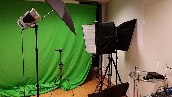 Photo Studio, Studio Video, Projector, Green Background