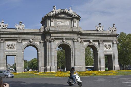 Travel, Puerta De Alcalá, Spain