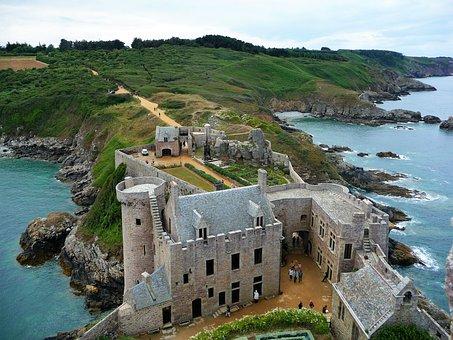 Fort Lath, Côtes D'armor, Brittany, Castle